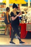 52689019 avril-lavigne-out-shopping-in-malibu-september-24-2017 8270509492