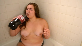 DirtyBirdyy - BBW Chugging a 2 Liter and Burping
